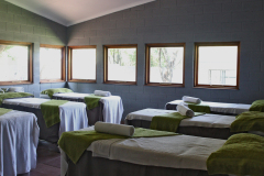 bakwena-day-spa-the-venue-country-hotel-and-spa-treatment-room-beds-group