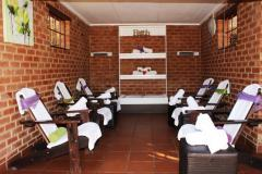 bakwena-day-spa-velmore-hotel-and-spa-neck-and-shoulders-treatment-room