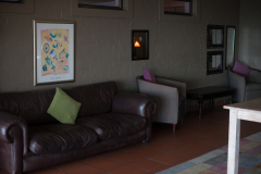 bakwena-day-spa-zevenwacht-wine-estate-lounge-area-01